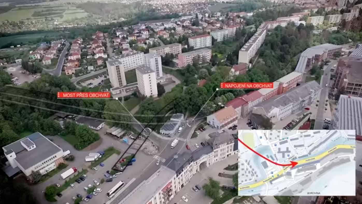"""Ve vizualizaci průchvatu, kterou nechalo zpracovat město Třebíč, protihluková stěna chybí, ale """"přebývá"""" tam most"""